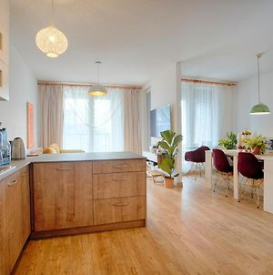 Luxurious Apartment Next To Lake In Krakow, 8-9 Ppl, 86M2 photos Exterior