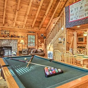 Rustic Sevierville Cabin W/ Hot Tub+Fire Pit! photos Exterior