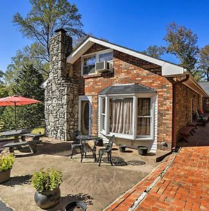 Charming Greenbrier Home With Furnished Patio! photos Exterior