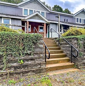 Cozy Condo With Patio, Walk To Burke Mountain! photos Exterior
