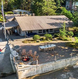 Waterfront Lakebay Home With Beach And Kayaks! photos Exterior