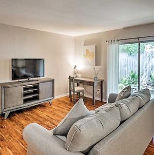 Beautiful Downtown Duplex With Patio, Walk To 6Th St photos Exterior