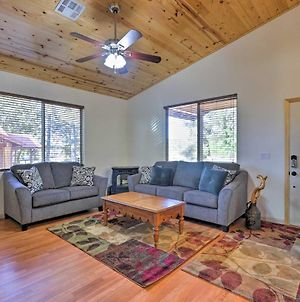 Pinetop Cabin With Deck And Bbq, 8 Mins To Hon-Dah! photos Exterior