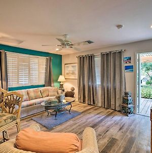 Updated Naples Cottage - Near Beaches And Golfing! photos Exterior