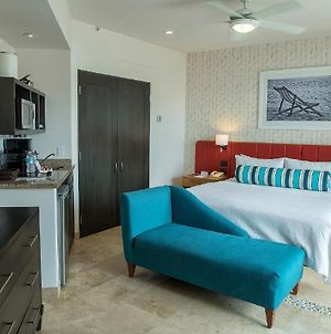 1 King Suite, In The Heart Of Cabo photos Exterior