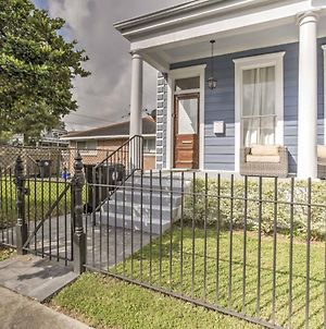 Chic New Orleans Duplex - Near Public Street Cars! photos Exterior