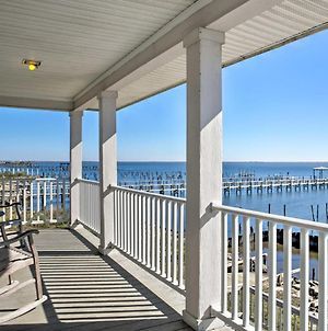 Waterfront New Orleans Home With Private Dock And Pier photos Exterior