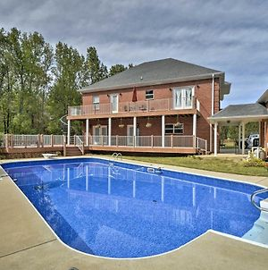 2-Story Home With Fire Pit About 15 Mi To Huntsville photos Exterior