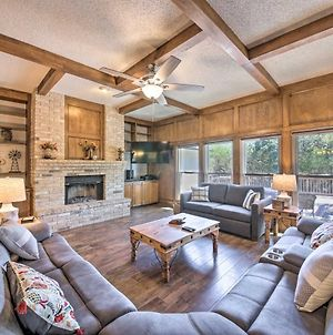 Family-Friendly Home With Hot Tub, Fire Pit And Deck! photos Exterior