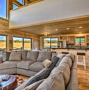 Private Cabin With Deck, Fireplace & Mtn Views! photos Exterior
