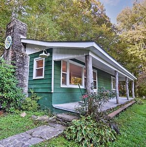 Updated 1940S Cabin With Whimsical Greenhouse Theme photos Exterior