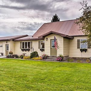 Farmhouse In Country Setting 5 Mi To Gravity Hill! photos Exterior