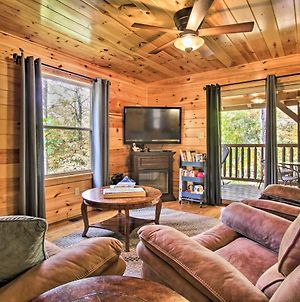 Central Sevierville Cabin With Indoor Pool And Hot Tub photos Exterior