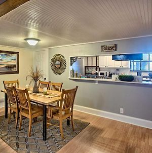 Coastal Retreat With Pool Access About 3 Miles To Beach! photos Exterior