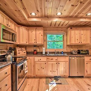 Secluded Cabin With Deck 13 Miles To Downtown Murphy photos Exterior