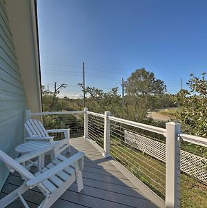 Airy Seaside Cottage With Pier, 3 Mi To Beach! photos Exterior