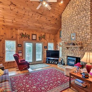 Pet-Friendly Cozy Cabin With Views By Black Rock! photos Exterior