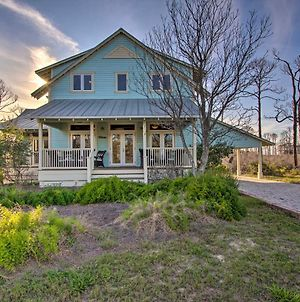 Quaint Family Retreat With Bbq, Steps To Beach! photos Exterior