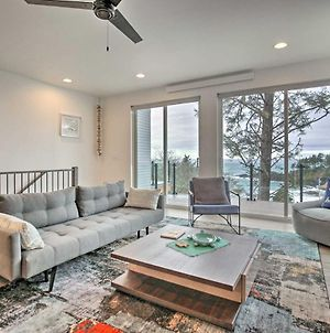 Depoe Bay Townhome With Deck & Ocean Views! photos Exterior