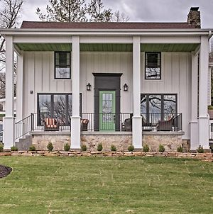 Downtown Branson Home With Pool Mins To The Landing! photos Exterior