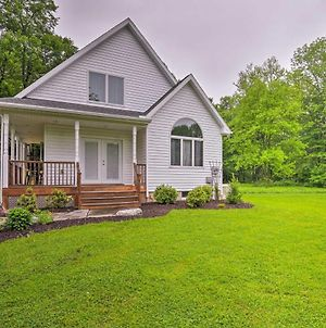 Poconos Home With Game Room - 10 Mins To State Park! photos Exterior