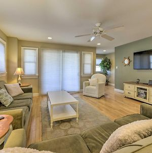 Wildwood Townhome With Patio 1 Block To The Beach! photos Exterior