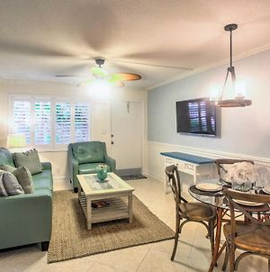 Updated Naples Condo With Shared Pool - Walk To Pier! photos Exterior