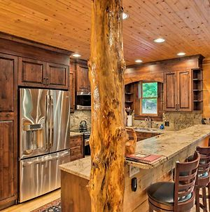 Peaceful Getaway Penrose Cabin With Hot Tub And Pond! photos Exterior