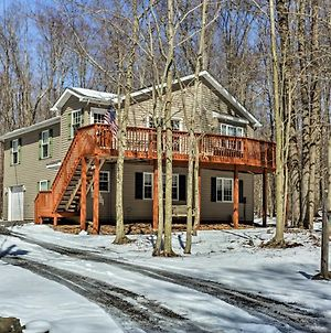 Pocono Zen - Arrowhead Lake Home - Walk To Pool! photos Exterior
