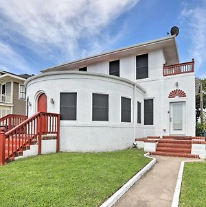 Historic Villa, Walk To Galveston Pleasure Pier! photos Exterior