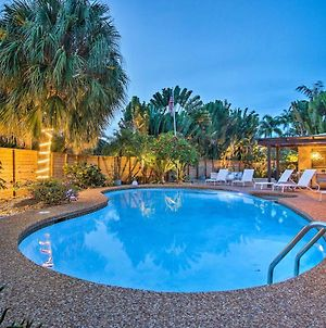 Updated And Private Oakland Park Home About 2 Mi To Beach photos Exterior