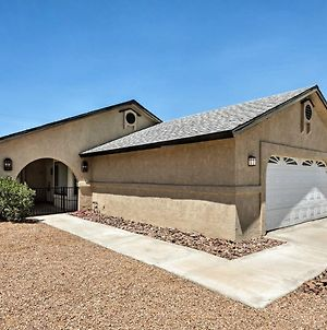 Bullhead City Home With Patio, 2 Blocks To Co River! photos Exterior