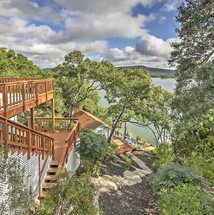Waterfront Lakehills Home With Pvt Dock And Lake Views photos Exterior