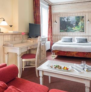 Hotel Restaurant Le Bristol - Room Service Disponible photos Exterior