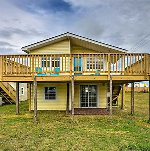 Pet Friendly Oceanside Atlantic Beach Home With Deck photos Exterior