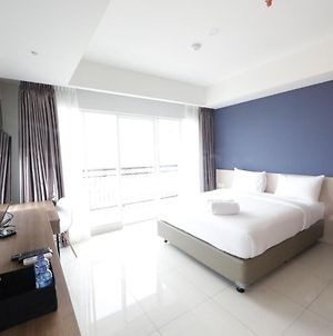 Modern Stylish Studio Plus At Greko Apartment Bandung By Travelio photos Exterior