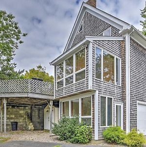 Charming Hyannis Home With Deck, 0 2 Mi To The Beach photos Exterior