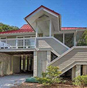 Breezy Southern Retreat With Deck - Walk To Beach! photos Exterior