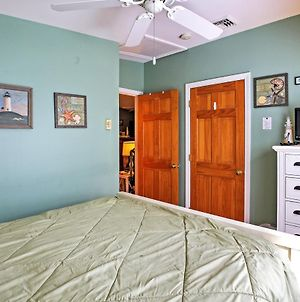 Wells Beach Cottage With Pool Access - 1 Mi To Coast! photos Exterior