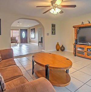 Canalside Cape Coral Home With Private Pool - Pets Ok photos Exterior