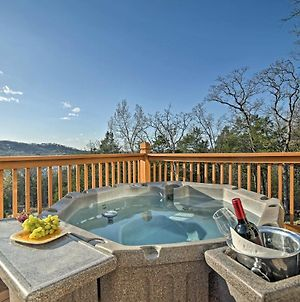 'Tall Tree Retreat' With Hot Tub, Short Walk To Lake photos Exterior