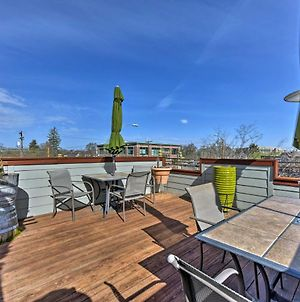 The Loft On Center Downtown Logan Apt With Deck! photos Exterior