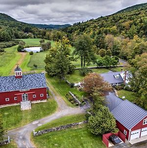 Renovated 1950'S Farmhouse On 300 Acres In Grafton photos Exterior