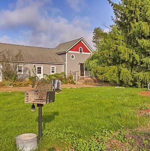 Leelanau Country Cottage Is Home Away From Home! photos Exterior