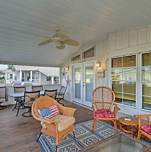 Surfside Beach House W/ Porch - 10 Min. To Coast! photos Exterior