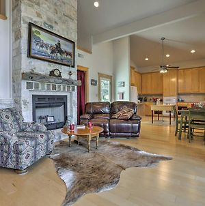 Rustic Johnson City Home With Hot Tub-2 Miles To Town photos Exterior