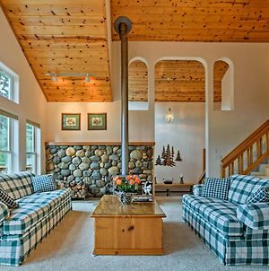 Lovely Tahoe Resort Cabin With Trails, Hot Tub Access photos Exterior
