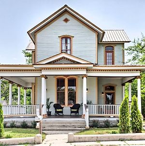 Historic Gem With Front Porch - Walk To Town Square! photos Exterior