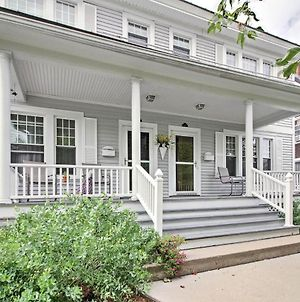 Spacious Rutland Townhome With Fire Pit- Walk To Town photos Exterior
