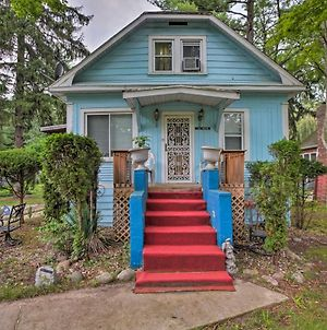 Charming Vintage Union Pier Home - Walk To Beach! photos Exterior